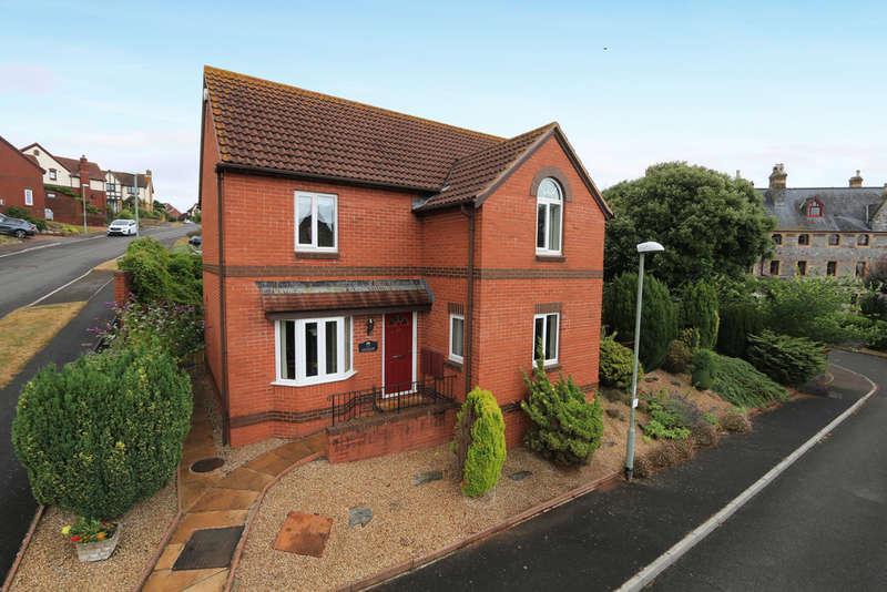 4 Bedrooms Detached House for sale in Highgrove Park, Teignmouth