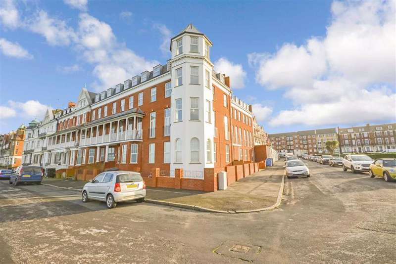 2 Bedrooms Flat for sale in Lewis Crescent, Margate, Kent