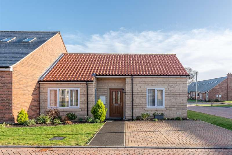 2 Bedrooms Bungalow for sale in Mickle Hill, Pickering