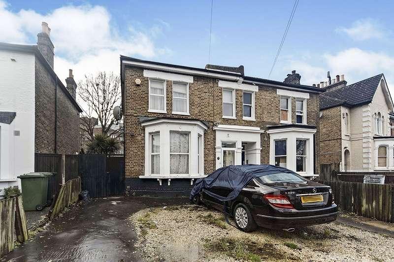 3 Bedrooms Semi Detached House for sale in Barmeston Road, London, SE6