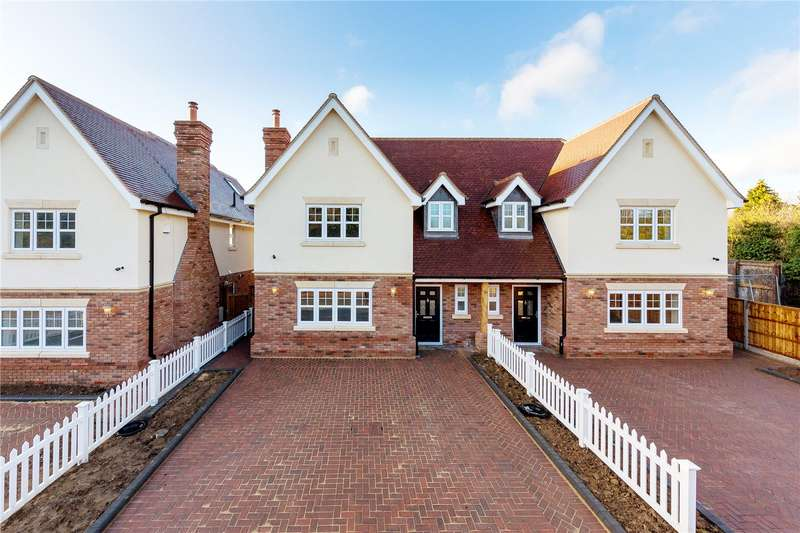 4 Bedrooms Semi Detached House for sale in Stapleford Road, Stapleford Abbotts, Essex, RM4