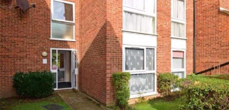 1 Bedroom Property for rent in Trotwood, Chigwell, IG7