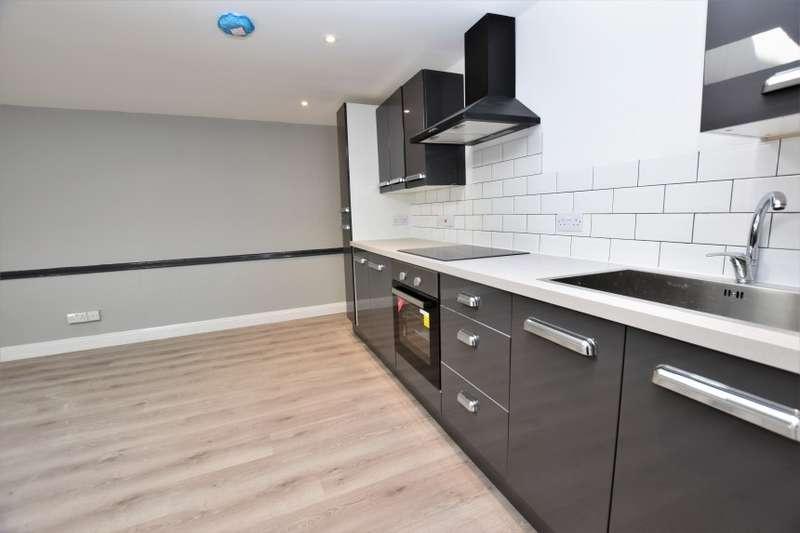 2 Bedrooms Ground Flat for sale in Flat 3, 1 Market Street, North Walsham, Norfolk