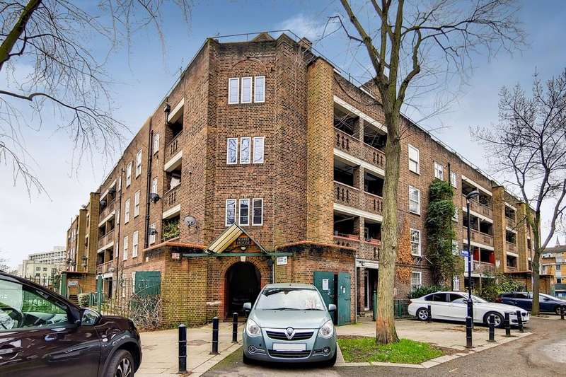 2 Bedrooms Flat for sale in Loughborough Estate, London SW9