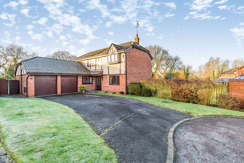 4 Bedrooms Detached House for sale in Dale View, Chorley, Lancashire, PR7
