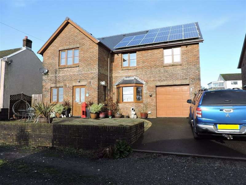 4 Bedrooms Detached House for sale in Station Road, Coelbren