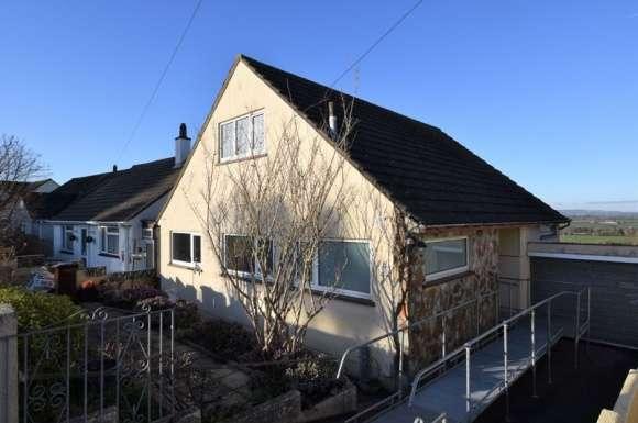 3 Bedrooms Bungalow for sale in Longmeadow Road, Saltash