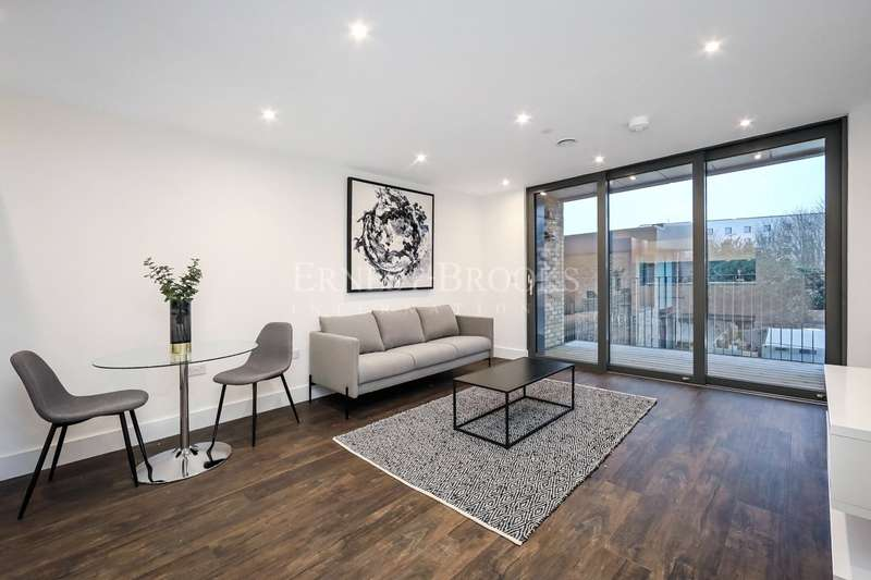 1 Bedroom Apartment Flat for sale in Kempton House, 122 High Street, Staines-upon-Thames, Surrey, TW18