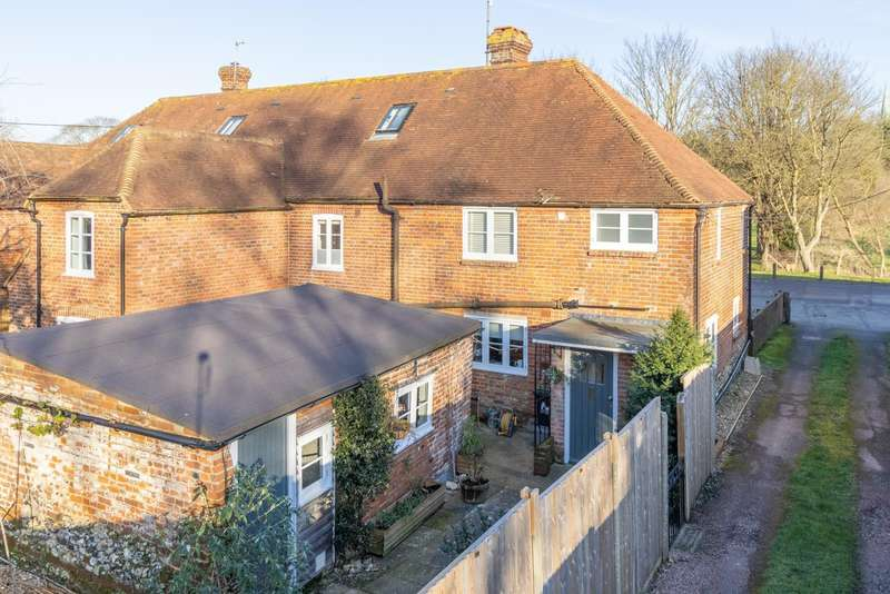 2 Bedrooms Terraced House for sale in Valley Road, Barham, Nr Canterbury, CT4