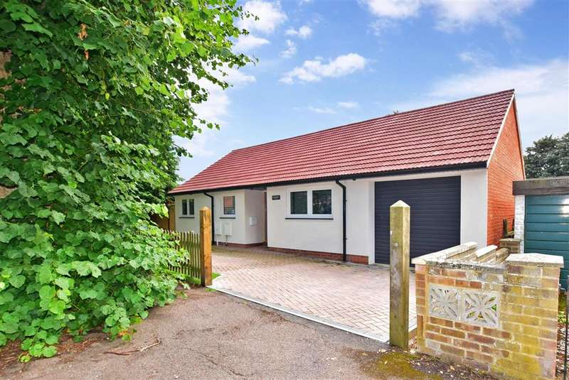 3 Bedrooms Detached Bungalow for sale in The Grove, , Barham, Canterbury, Kent