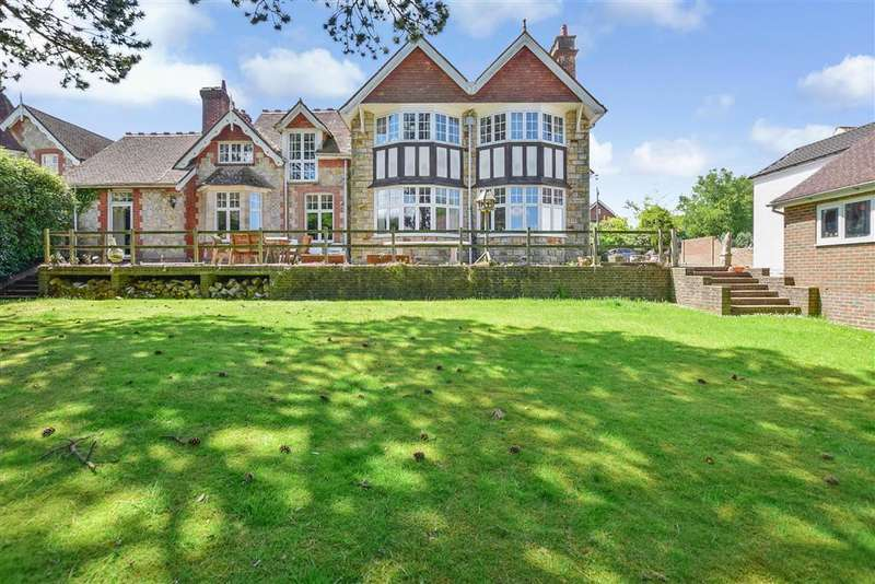 7 Bedrooms Link Detached House for sale in Green Lane, , Crowborough, East Sussex