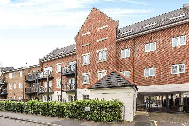2 Bedrooms Apartment Flat for sale in Webster Court, Wharf Lane, Rickmansworth, WD3