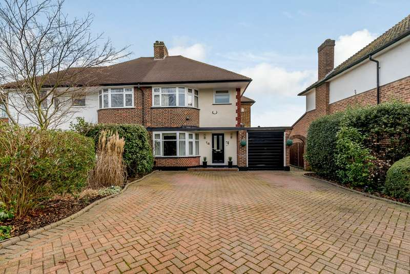 3 Bedrooms Semi Detached House for sale in Ennismore Gardens, Thames Ditton, KT7