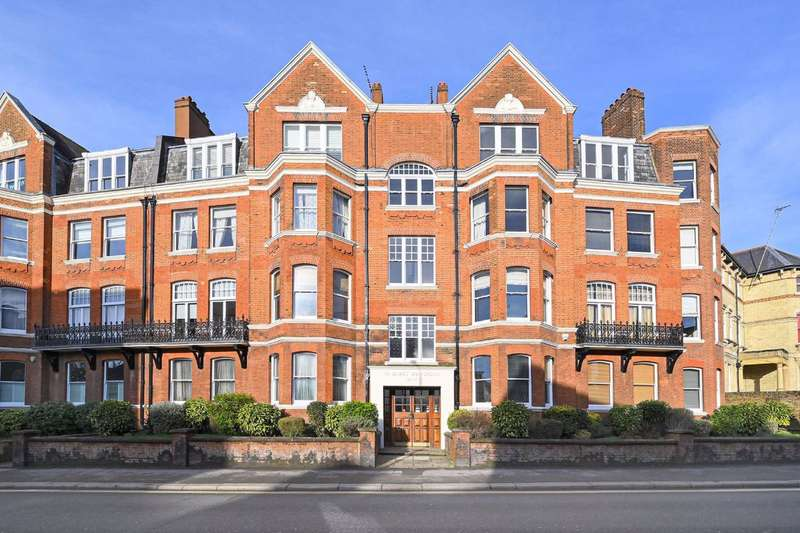 4 Bedrooms Flat for sale in St James Mansions, London, NW6