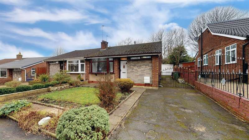 2 Bedrooms Semi Detached Bungalow for sale in Holcombe Close, Kearsley, Bolton, BL4 8JS