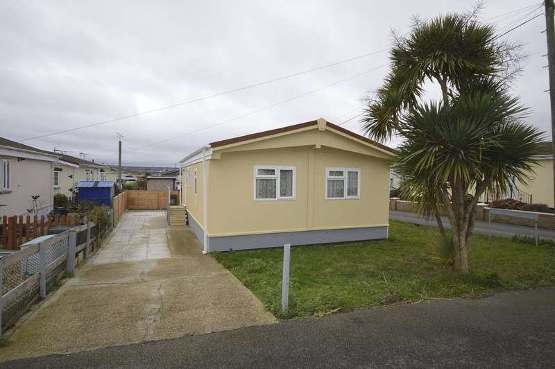 3 Bedrooms Park Home Mobile Home for sale in Larch Crescent Hoo Marina Park, Vicarage Lane, Hoo, Rochester, ME3