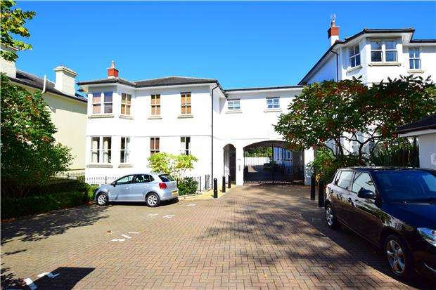 2 Bedrooms Flat for sale in Richard Beau Nash Apartments, 6-8 Garden Road, TUNBRIDGE WELLS, TN1 2XW