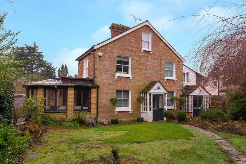 3 Bedrooms Detached House for sale in Springfield, Bushey Heath