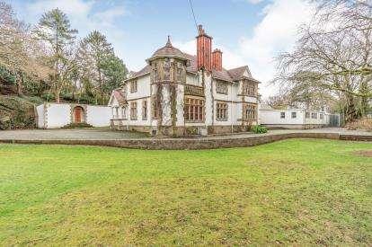 6 Bedrooms Detached House for sale in Ffriddoedd Road, Bangor, Gwynedd, LL57
