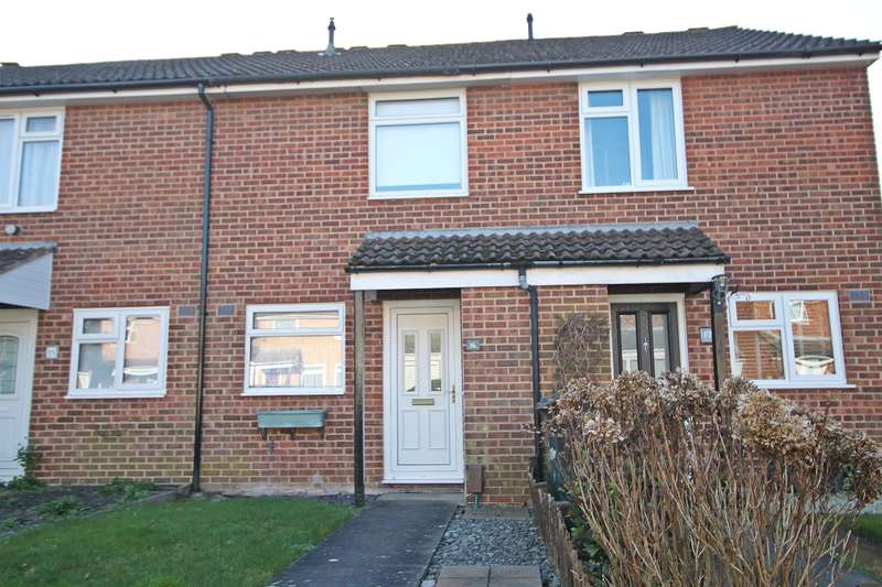 2 Bedrooms Terraced House for sale in Calbourne, Netley Abbey, Southampton, SO31 5GS