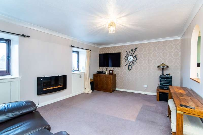 1 Bedroom Flat for sale in West Main Street, Uphall, Broxburn, EH52