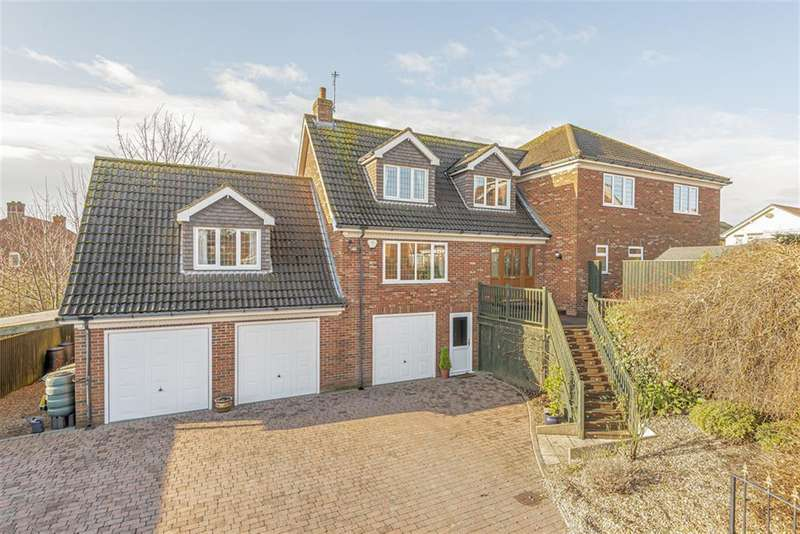 4 Bedrooms Detached House for sale in Riverside Rise, Louth, LN11 0GN