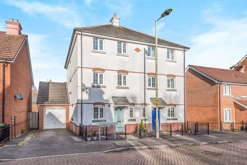 4 Bedrooms Semi Detached House for sale in Elvetham Rise, Chineham, Basingstoke, RG24