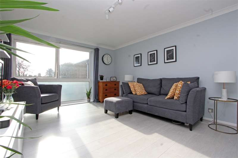 1 Bedroom Flat for sale in Lynton Grange, Fortis Green, London