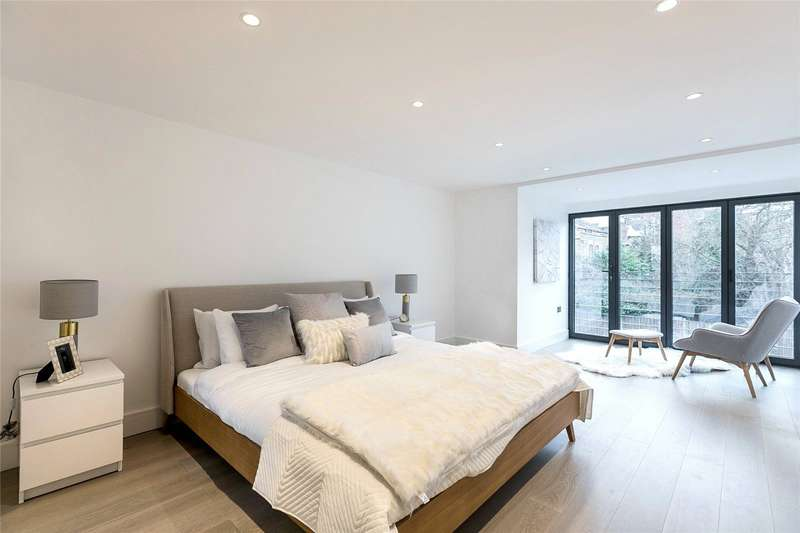 3 Bedrooms Property for sale in Wayford Terrace, Willcott Road, London