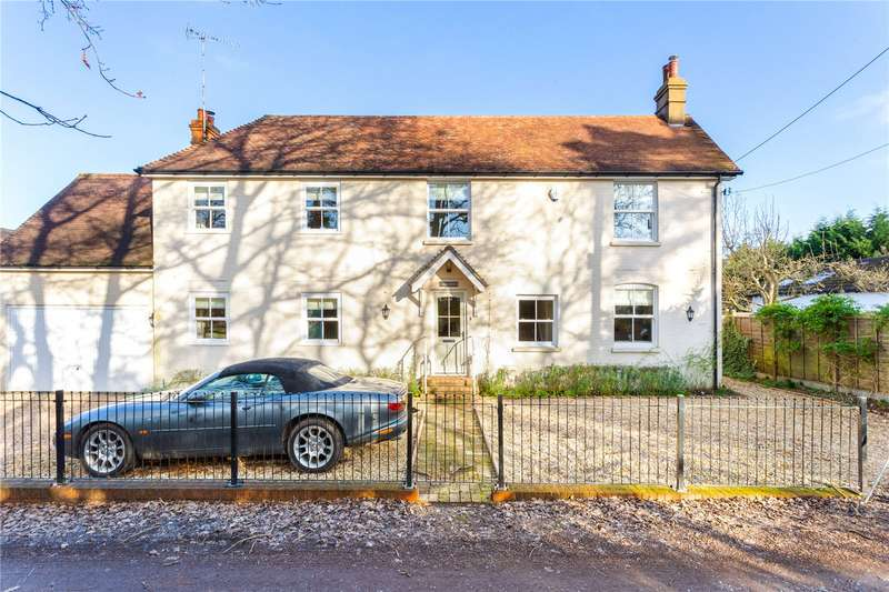 4 Bedrooms Detached House for sale in Golf Lane, Whitehill, Hampshire, GU35