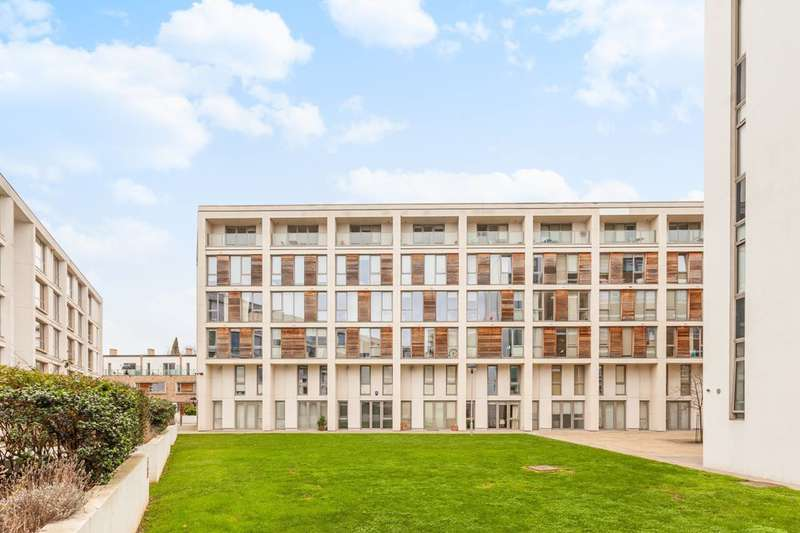 2 Bedrooms Flat for sale in Printers Road, Stockwell, SW9