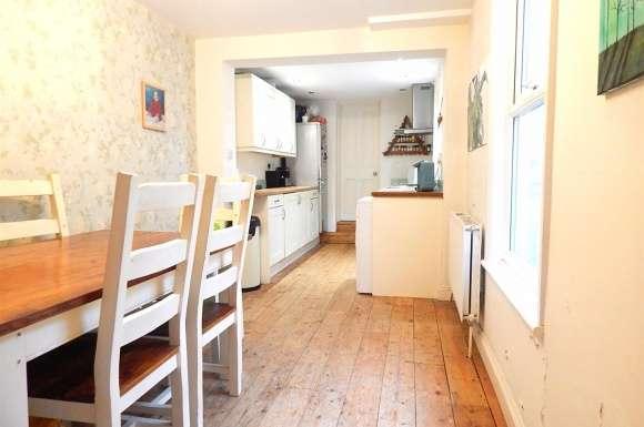 3 Bedrooms Property for sale in Albert Road, Rochester