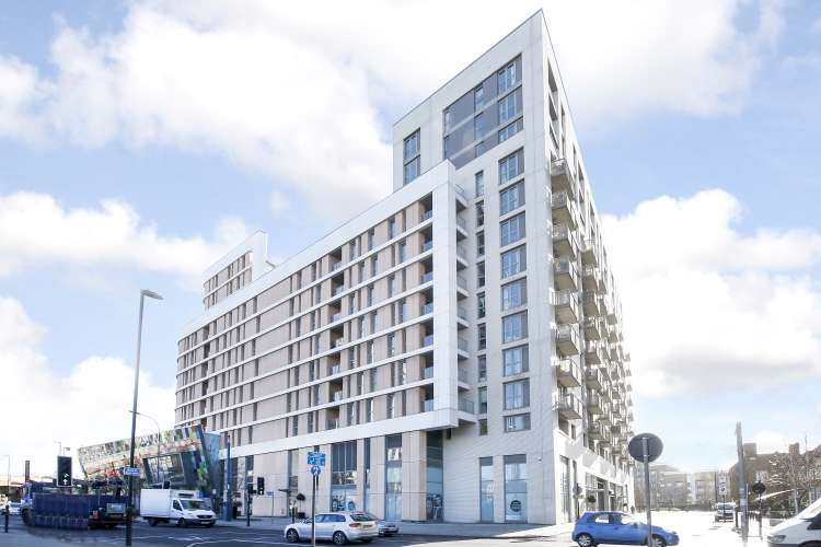 2 Bedrooms Flat for sale in Loampit Vale London SE13