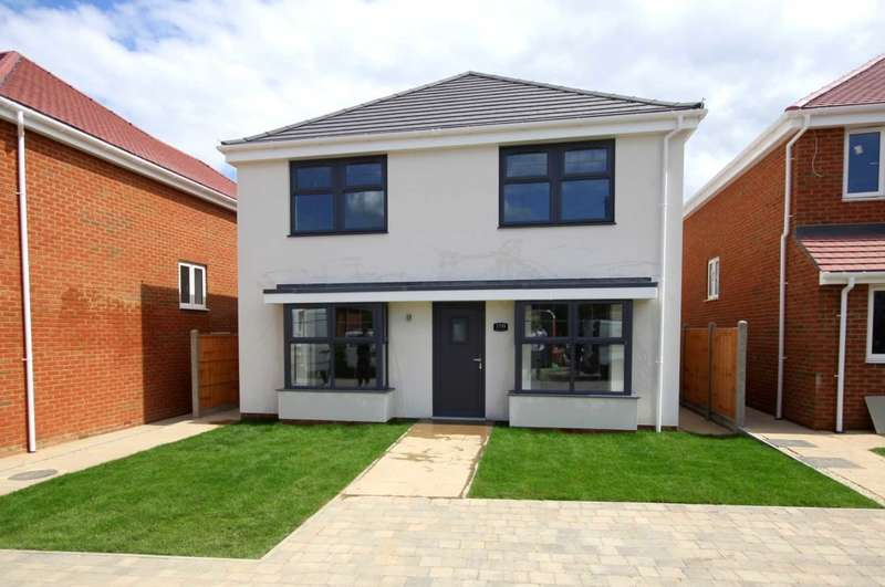 4 Bedrooms Detached House for sale in LAST ONE REMAINING ** BOVINGDON ** PLOT 2 OF AN EXCLUSIVE DEVELOPMENT OF 3 DETACHED IN, Green Lane, BOVINGDON
