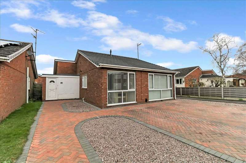 3 Bedrooms Detached House for sale in Hollywell Road, Waddington, Lincoln