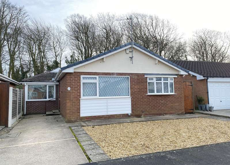 2 Bedrooms Detached Bungalow for sale in Gregory Place, Lytham