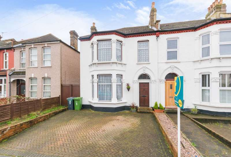 3 Bedrooms House for sale in Hazelbank Road, Catford, SE6