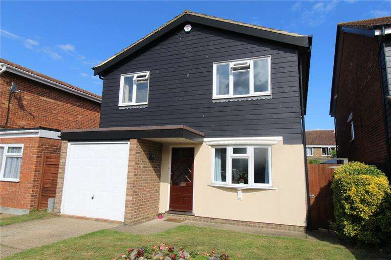 4 Bedrooms Detached House for sale in Paddock Close, Eastwood, Essex, SS9