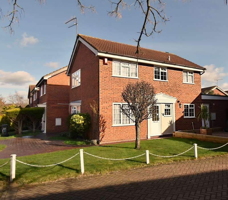 4 Bedrooms Detached House for sale in The Holt, Welwyn Garden City, AL7