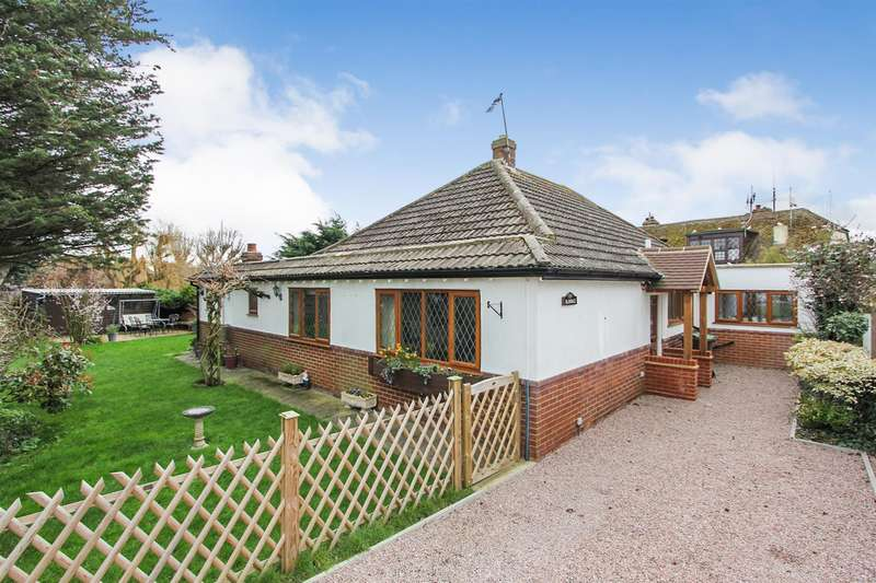 3 Bedrooms Detached Bungalow for sale in Green Leas, Chestfield, Whitstable