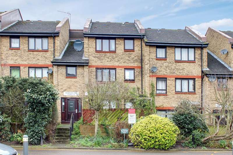 2 Bedrooms Flat for sale in Bakers Hill, London, E5