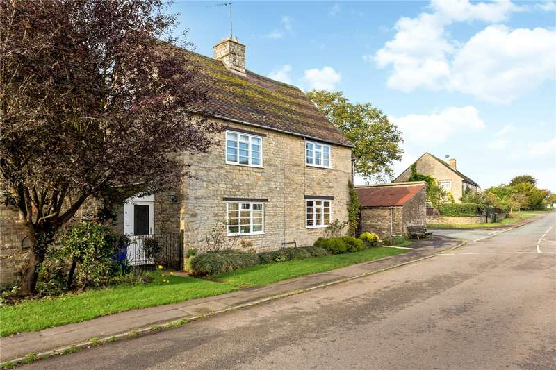 5 Bedrooms Detached House for sale in The Green, Evenley, Brackley, Northamptonshire, NN13