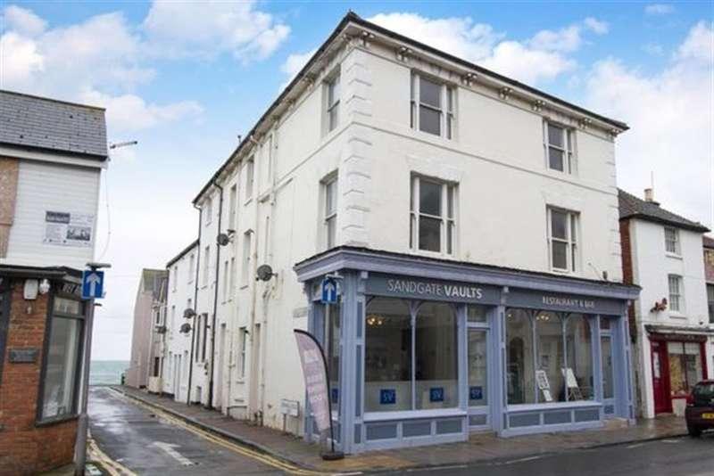 2 Bedrooms Maisonette Flat for sale in Sandgate High Street, Sandgate, Folkestone,
