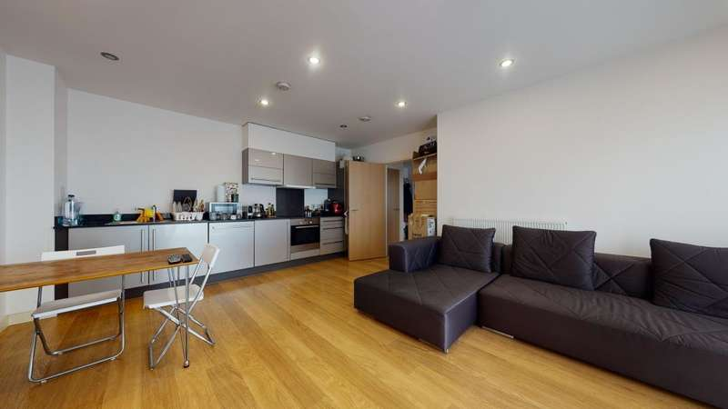 2 Bedrooms Apartment Flat for sale in Caspian Apartments, London, E14