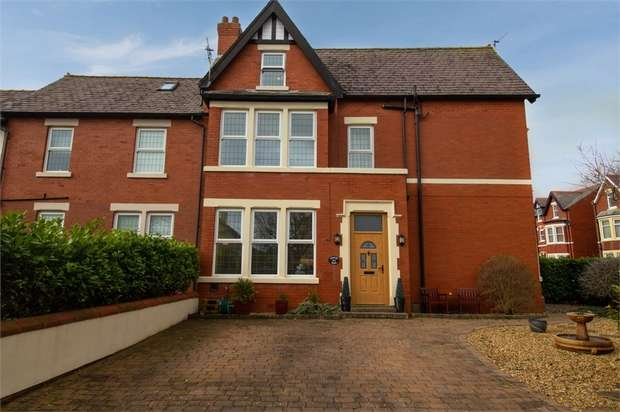 4 Bedrooms Semi Detached House for sale in Queens Road, Lytham St Annes, Lancashire