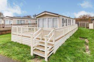 2 Bedrooms Mobile Home for sale in Albert Walk, Alberta Holiday Park, Faversham Road, Seasalter