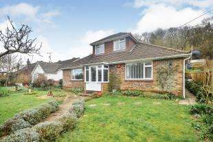 4 Bedrooms Bungalow for sale in Cowper Road, River, Dover, Kent