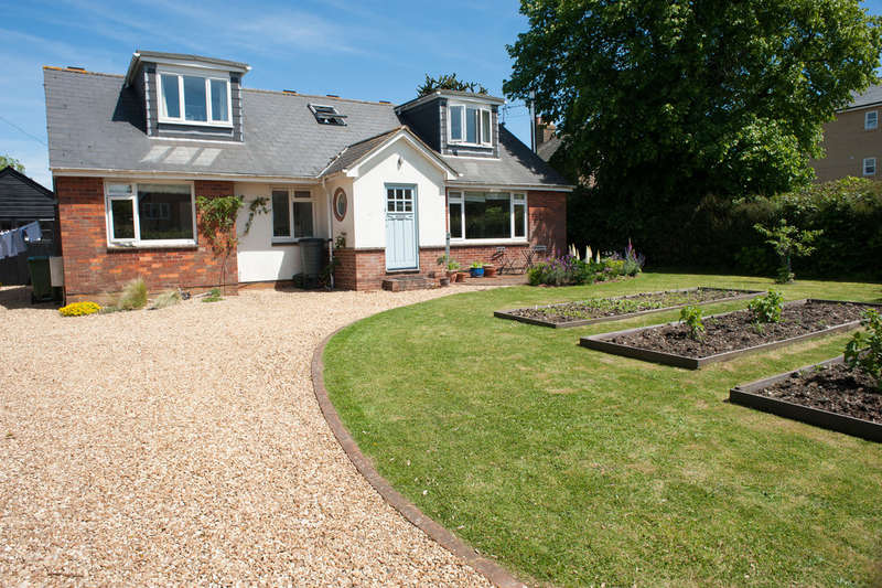 5 Bedrooms Detached House for sale in Worsley Road, Gurnard