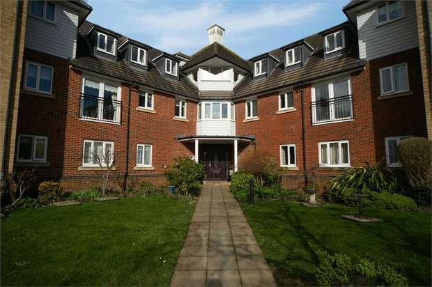 1 Bedroom Flat for sale in Hoxton Close, Ashford, Kent