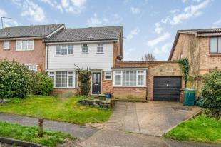 4 Bedrooms Semi Detached House for sale in Birchfields, Chatham, Kent